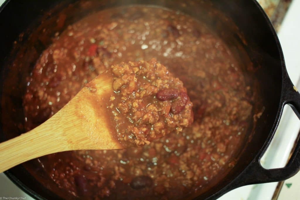 Heart Healthy Turkey Chili - Chili is such a perfect winter meal, so how about making this heart healthy yet super hearty turkey chili tonight? You won't believe how great it tastes!