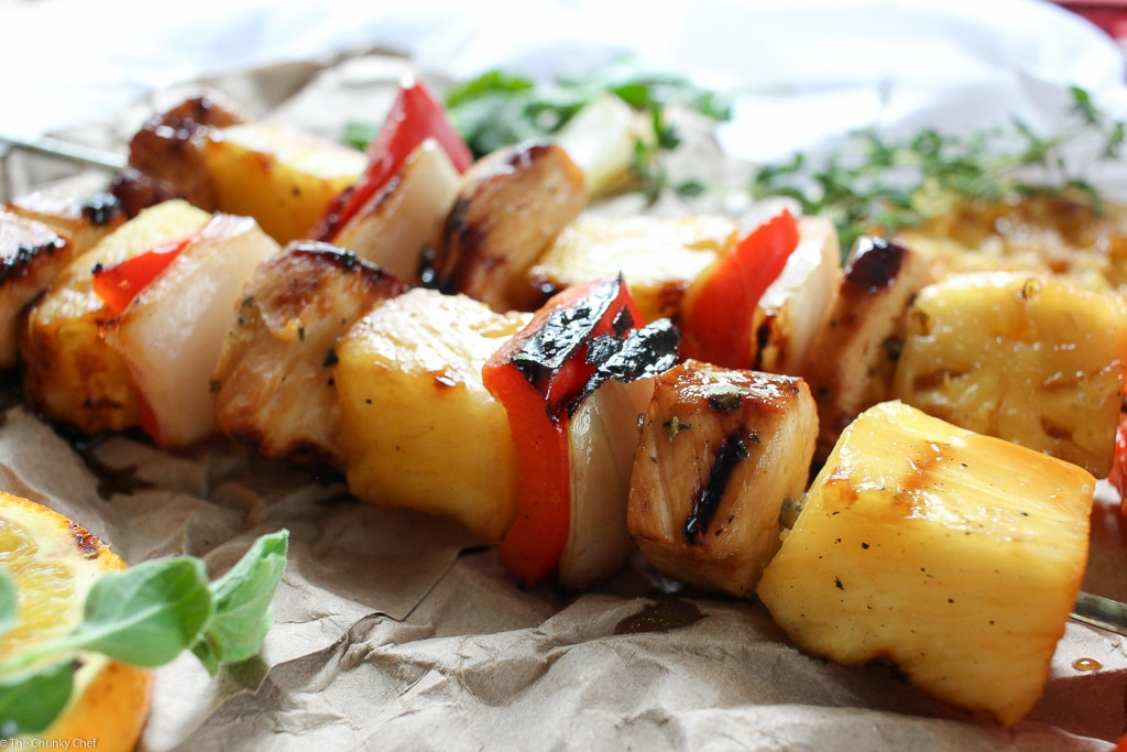 Caribbean Citrus Habanero Chicken Skewers | Taste the Caribbean in these citrus habanero chicken skewers... marinated chicken, onions, peppers, and pineapple.. all grilled to smoky charred perfection! | http://thechunkychef.com