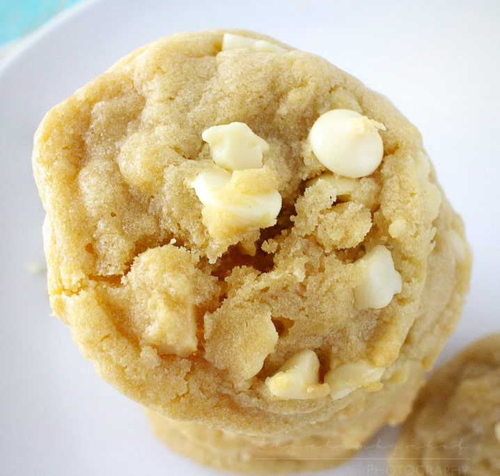 Soft-and-Chewy-White-Chocolate-Macadamia-Nut-Cookies-21-square