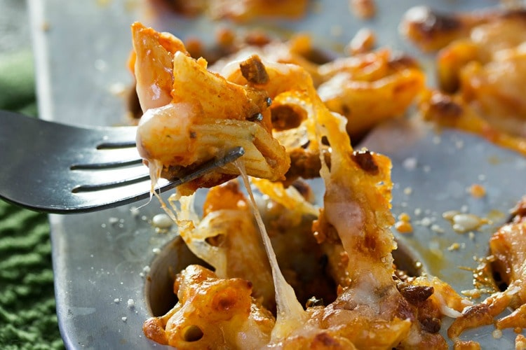 Cheesy One Bite Baked Penne Cups