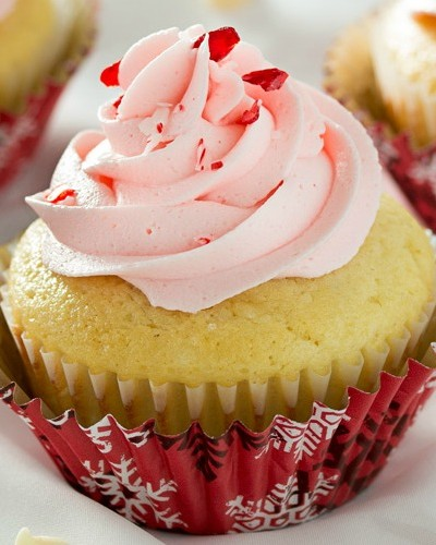 White Chocolate Cupcakes with Peppermint Buttercream