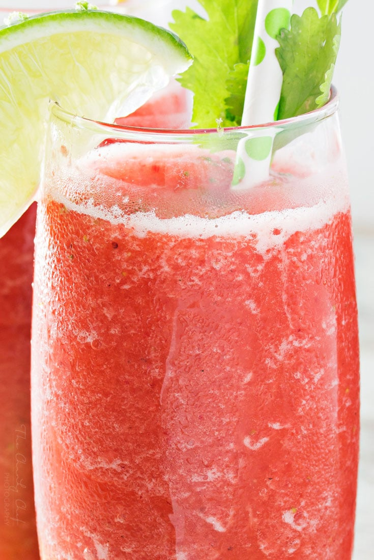 Boozy Strawberry Limeade Slushies | These slushies take just 5 ingredients, including ice, and you're on your way to slushy heaven! | http://thechunkychef.com