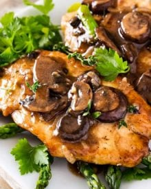 Chicken marsala is a one pot, 30 minute meal made with golden brown pan fried chicken cutlets, savory mushrooms and a rich marsala wine sauce! #chickenmarsala #italian #chickendinner #chicken #onepot #onepan #30minutemeal #easyrecipe