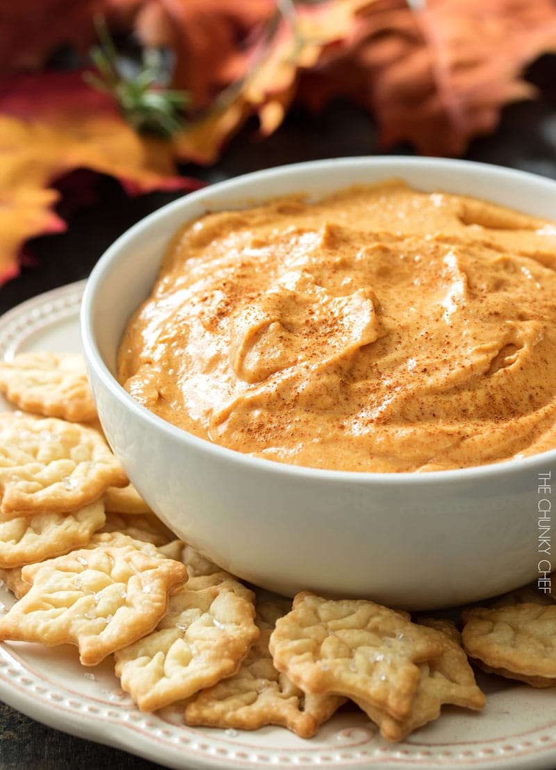 Pumpkin Pie Dip | This dip is no bake, and tastes just like a great pumpkin pie! All the flavor, none of the stress! | http://thechunkychef.com