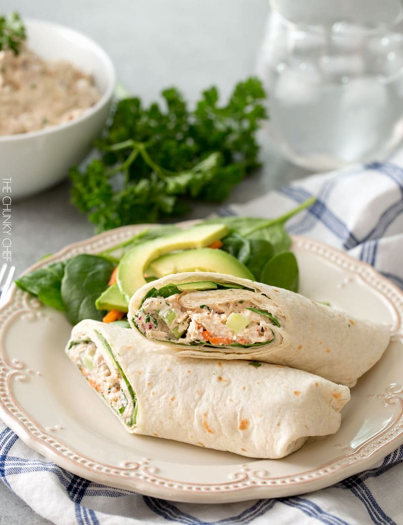 Classic Tuna Salad | This tuna salad is perfect for lunch or dinner, in a wrap, sandwich, salad or even on toasts as an appetizer! | http://thechunkychef.com