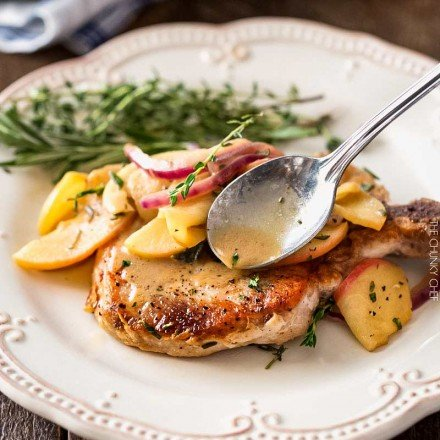 One Pan Pork Chops with Apples and Onions | Amazing Fall flavors combine in this one pan, 30 minute pork chop meal! | http://thechunkychef.com