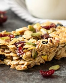 No Bake Chewy Trail Mix Granola Bars | These chewy trail mix granola bars are incredibly easy, no bake, and are naturally sweetened. Make yourself a snack you can feel great about! | http://thechunkychef.com