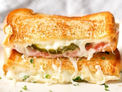 Salami and Pickle Grilled Cheese | Everything you love about the salami, cream cheese and pickle appetizer, put into a gooey, buttery grilled cheese! Comfort food elevated to gourmet levels! | http://thechunkychef.com