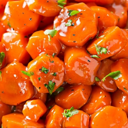Spicy Bourbon Glazed Carrots   You'll love these easy glazed carrots made with bourbon, brown sugar and cayenne! They're perfect for a weeknight dinner or holiday feast!   http://thechunkychef.com
