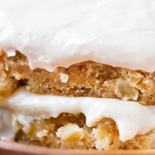 Maple Apple Blondie Recipe | These melt-in-your-mouth blondie bars made with crisp apples, maple syrup and cinnamon are a classic Fall dessert!  Topped with a maple cinnamon frosting, they're a must-try! | http://thechunkychef.com | blondie | apple | maple | bars | dessert | Fall | frosting