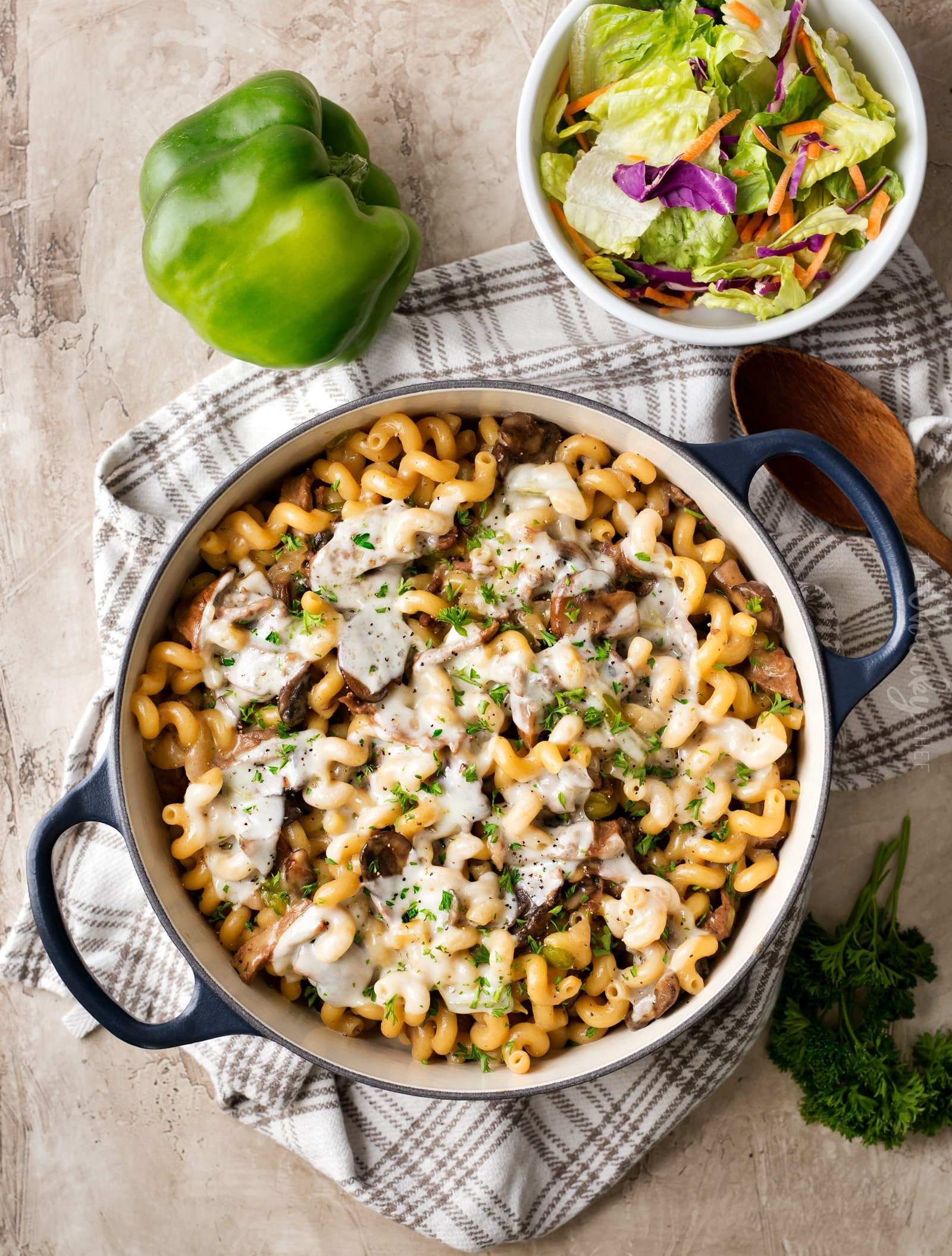 One Pot Philly Cheesesteak Pasta | Great Philly cheesesteak flavors are mixed with creamy pasta in this one pot meal that's ready in 30 minutes!  An easy dinner your family will love! | https://www.thechunkychef.com | #cheesesteak #pasta #onepot #easydinner #comfortfood