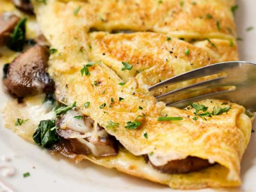 Cheesy Mushroom and Spinach Omelet - The Chunky Chef