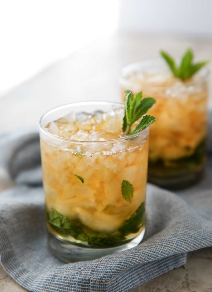 Mint julep recipe in two glasses