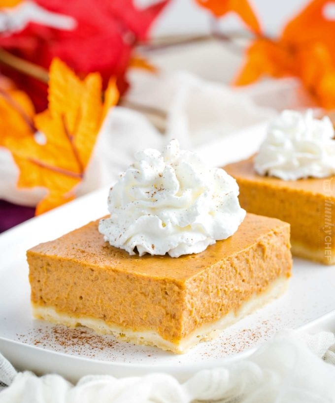 Pumpkin pie bar with whipped cream
