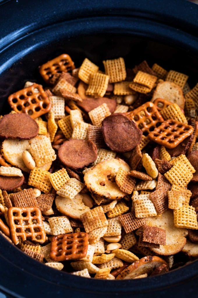 Slow cooker batch of homemade chex mix recipe