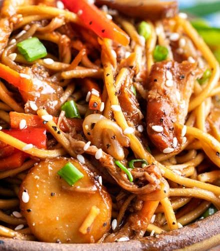 Easy Crockpot Chicken Lo Mein The Chunky Chef