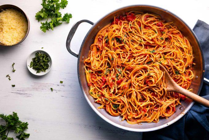 One pot spaghetti in silver pot