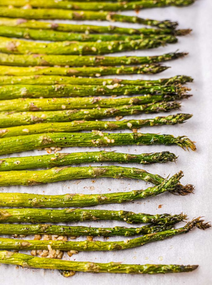 baked asparagus with garlic